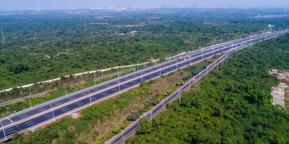 """改扩建后的海口绕城高速公路""""颜值""""升级"""