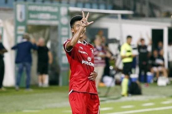 GIF-18岁朝鲜小将意乙连场破门 2场4球领跑射手榜