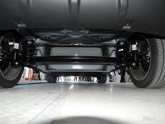 续航300KM以上的高颜值纯电SUV 云度π3