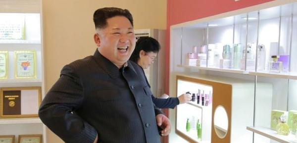 金正恩视察化妆品厂:要生产世界最好化妆品
