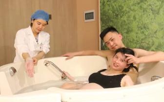 安琪儿妇产医院把国际水中分娩带到了重庆孕妈的家门口