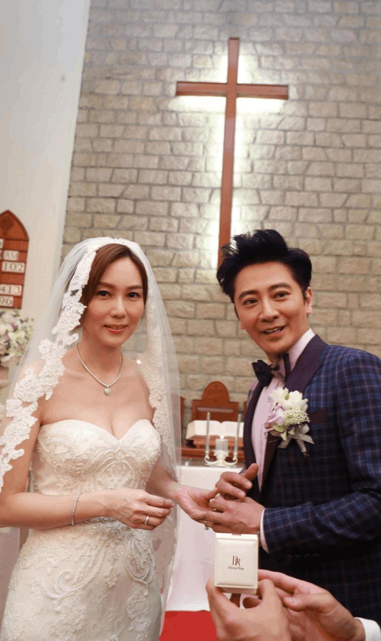 孙耀威大婚:500万钻戒娶老婆舍得为老婆花钱!