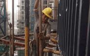 深圳95后小伙打工月入过万 年底买房