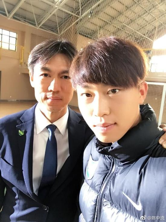 绿城球员不舍洪明甫:您是韩国民族英雄 伟大教练