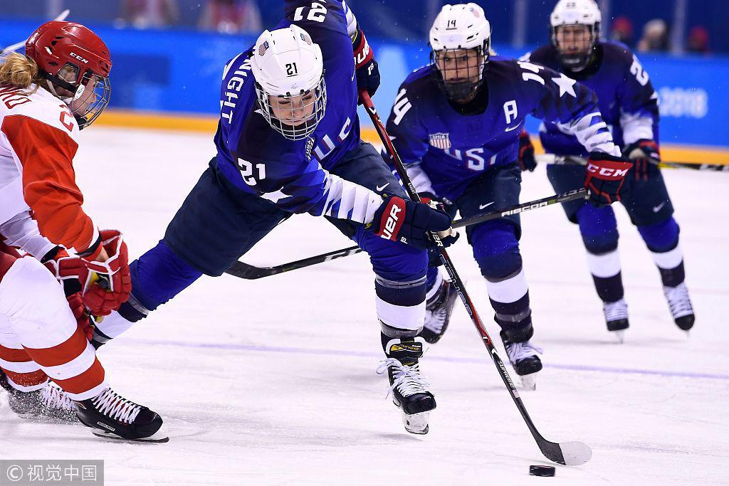女子冰球预赛瑞士瑞典晋级 韩朝联队历史性进球