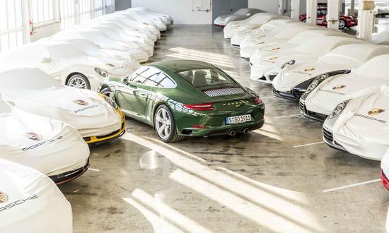 由Porsche Exclusive Manufaktur打造的50周年纪念版911