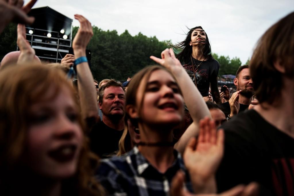 2016年6月23日,丹麦首都哥本哈根,一场音乐节上的兴奋听众。/视觉中国