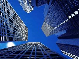邹士年:及早应对风险 避免房地产市场大起大落