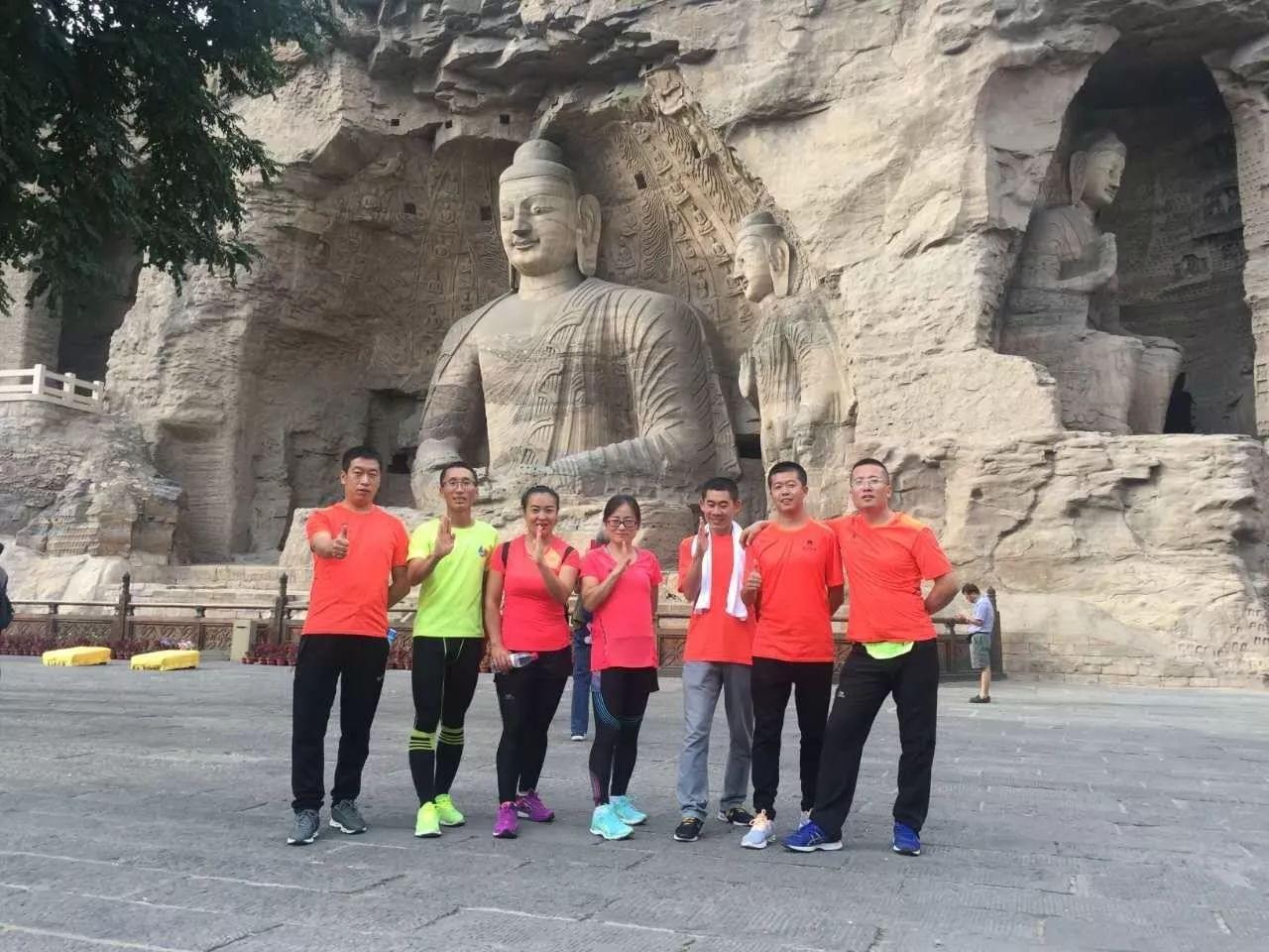 中国美女获大同半马季军 完赛者终点吃最大火锅