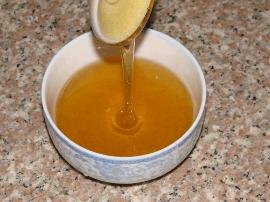 蜂蜜营养价值高 但你可能喝到假的了