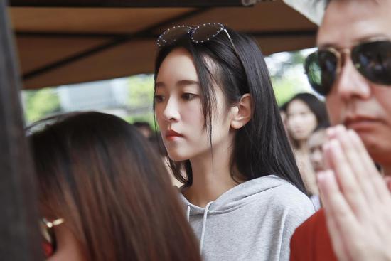 刘泳希清新少女