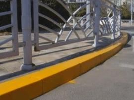 运城市区新增五处路沿石黄色禁停线驾驶员勿乱停放