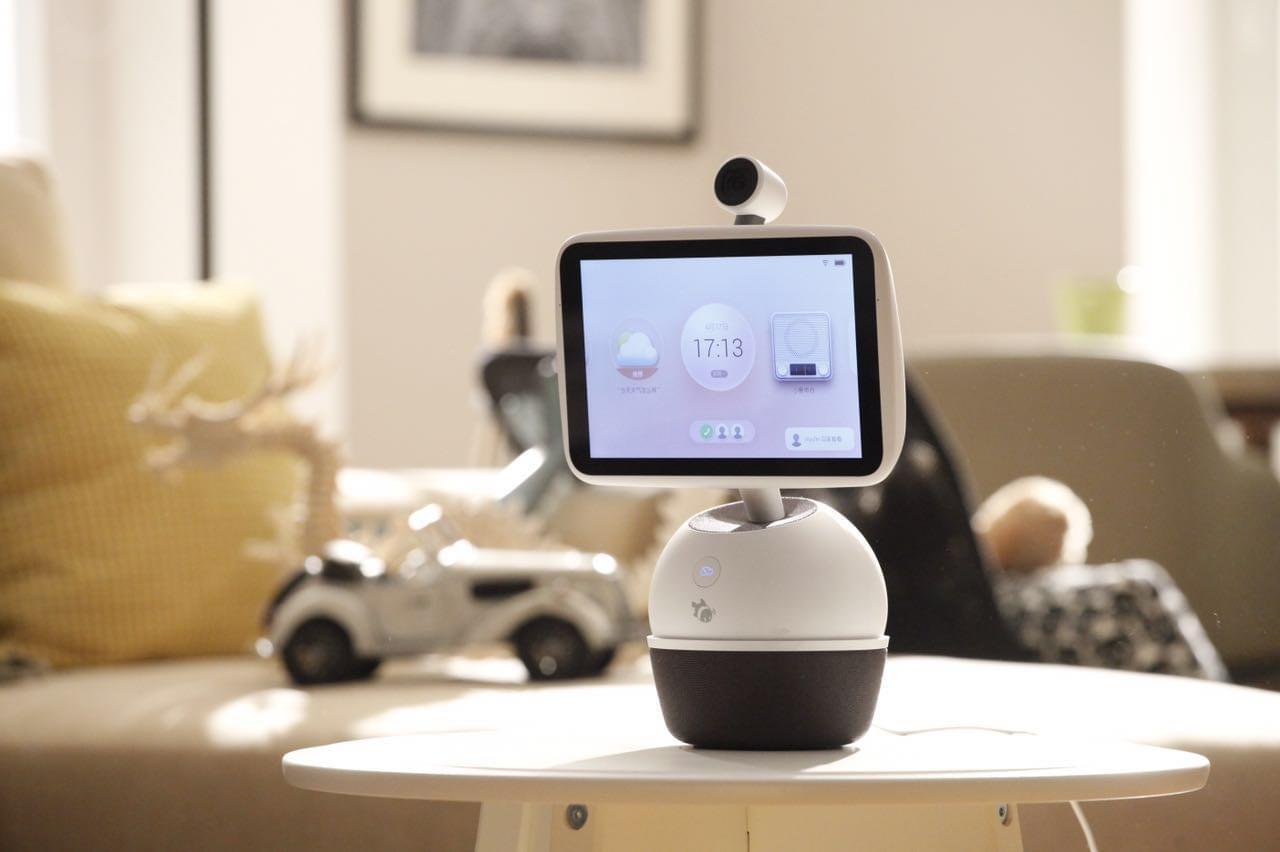 小鱼在家联合百度推出新品机器人分身鱼 秒掉亚马逊Echo?