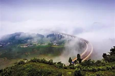 春雨绵绵 雾中重庆美景你看过几个?