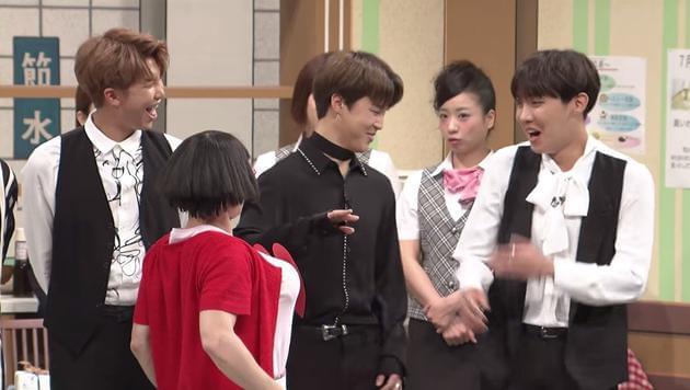 防弹少年团上日本综艺 成员遭假胸调戏