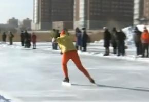 省运会群众组速度滑冰项目举行