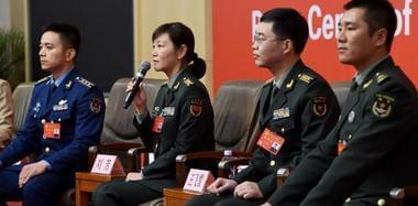 中国共产党十九大军队代表接受集体采访