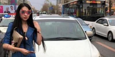 女子驾车欲加塞 交警纠违发现她是无证驾驶