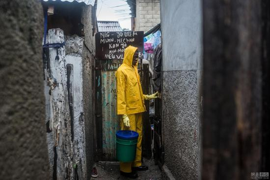 印度人为何热衷户外排便:即便有厕所也没人愿打扫