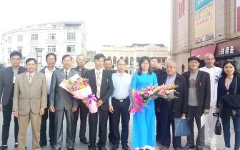 东兴:中越边境两友好村缔结四周年纪念日