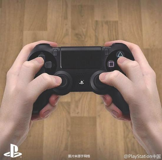 GIF一游:花式骚操作!你手柄玩游戏时是怎样的