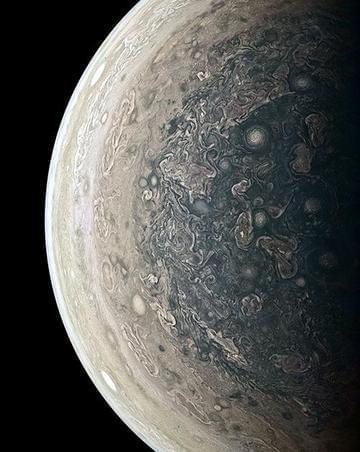 木星南极画面曝光 朱诺号永留错误轨道