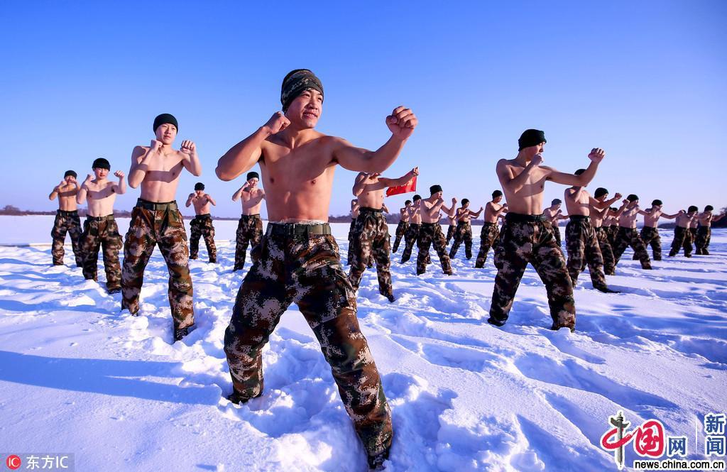 黑龙江边防武警零下30℃赤膊耐寒训练超燃