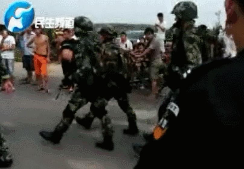 【民生频道】河南新乡警方拉网追捕逃犯