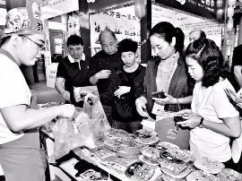 中蒙博览会山西展区:刺绣美 面艺绝活亮人眼