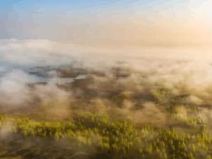 美轮美奂 峰峪湿地现云海奇观