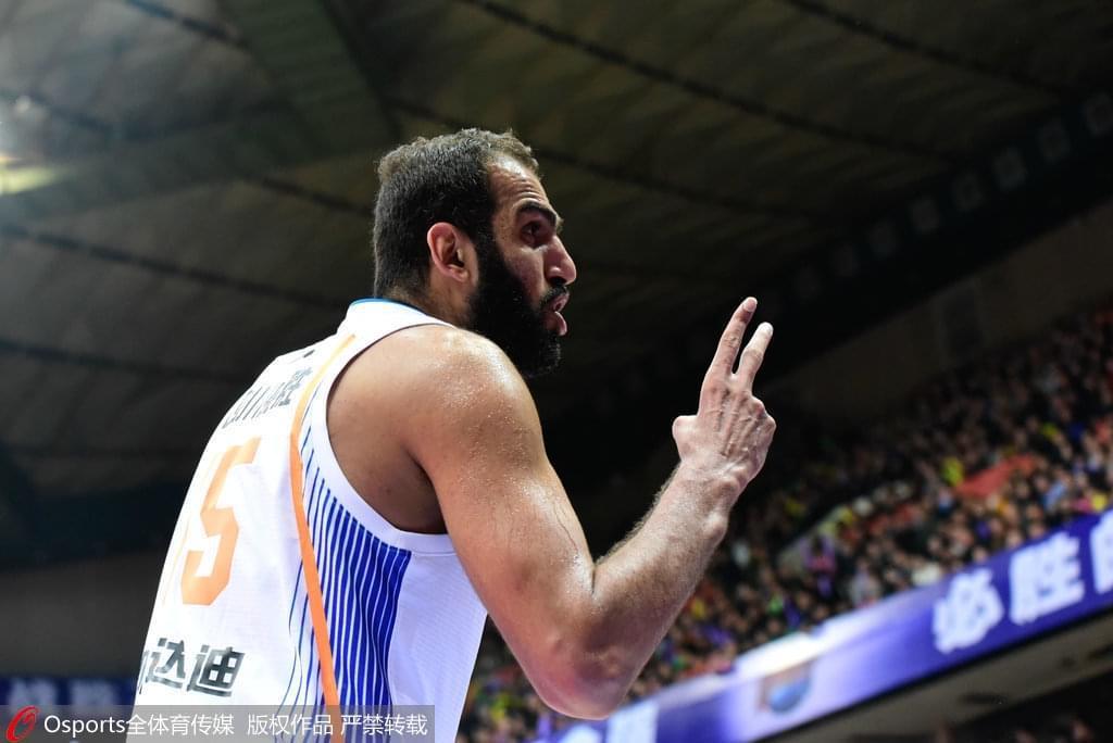 哈达迪重返伊朗联赛加盟豪门 力争完成个人3连冠