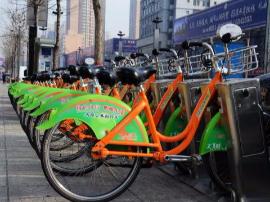 """公共自行车""""有桩+无桩"""" 智能便利群众"""