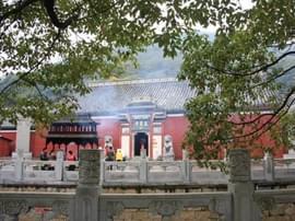 当阳春节旅游市场祈福游唱主角