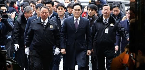 韩国三星副会长现身法院接受实质审查