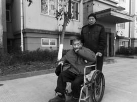 七旬哥哥胡长根:终身未娶 照顾残疾弟弟大半辈子