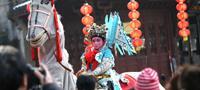 小镇春节的马灯之夜
