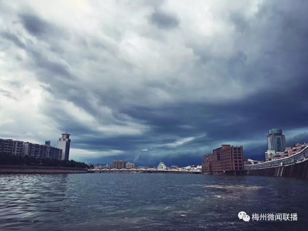 """自然降水+人工增雨,相约梅州来""""看海"""""""