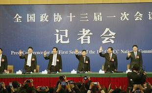 政协委员谈提高保障和改善民生水平