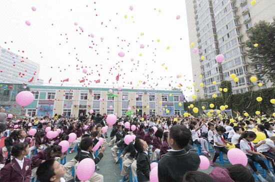 双榆树小学第三届科技节开幕式盛大举行