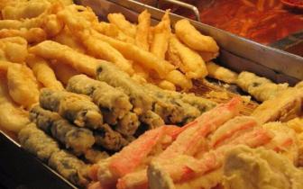 它被世界卫生组织列为垃圾食品之首,你却爱吃到根本停不下来!