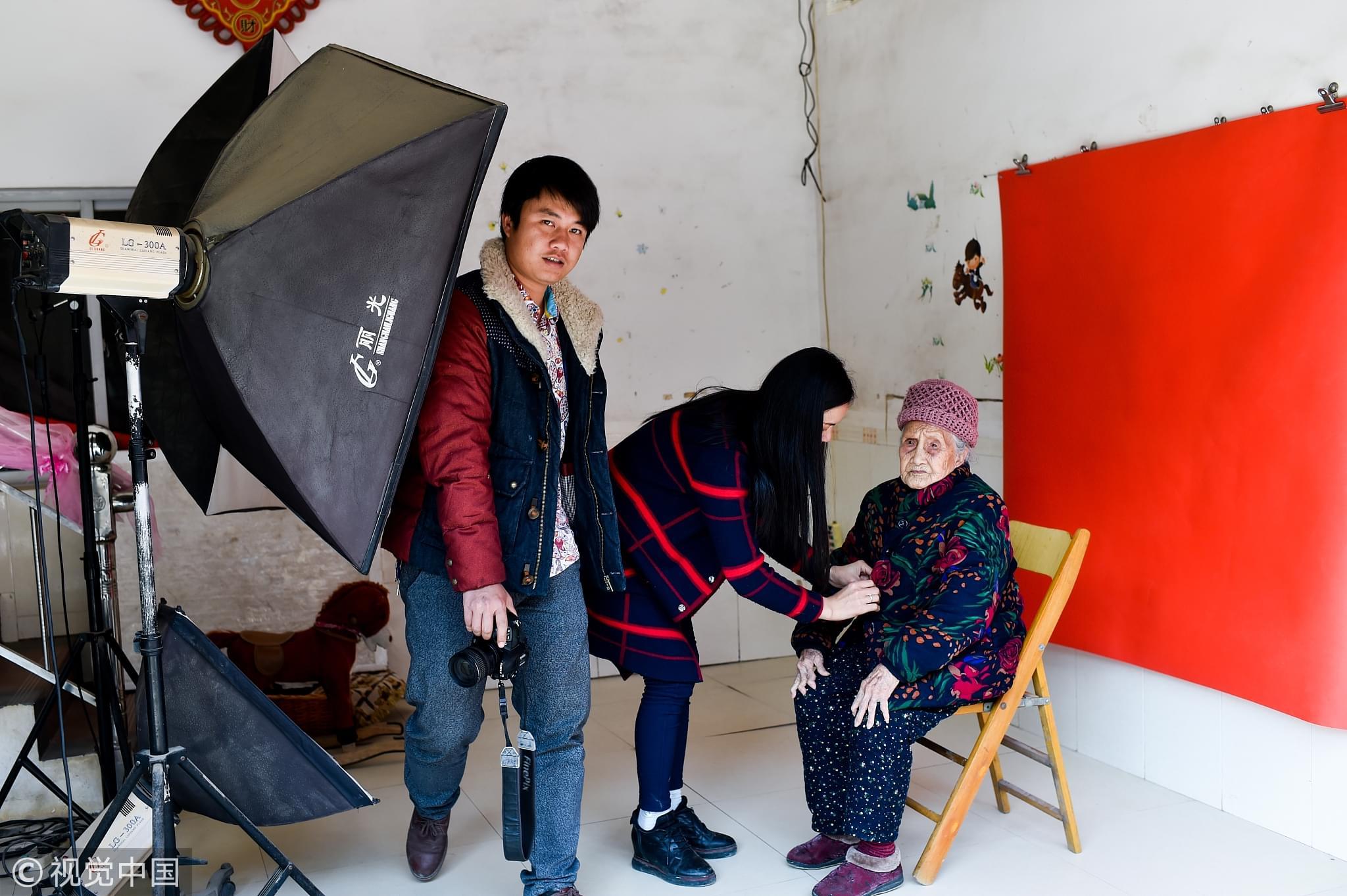中国人的证件照,为什么丑到让人想哭