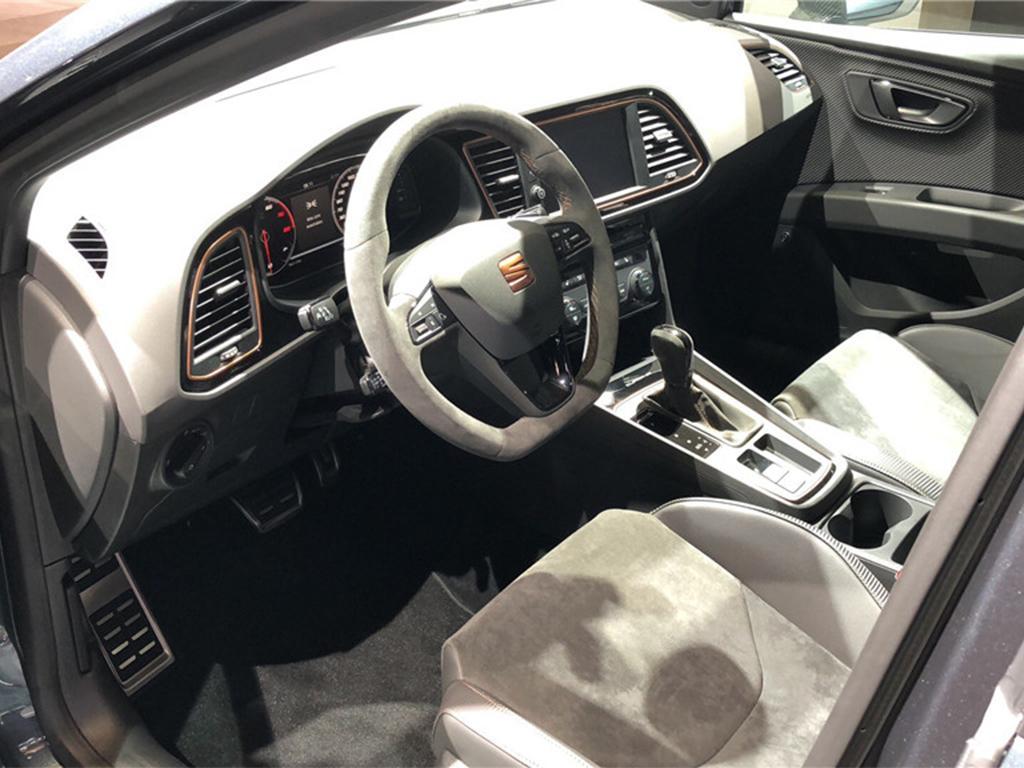 高性能旅行车 西雅特LEON Cupra R ST发布