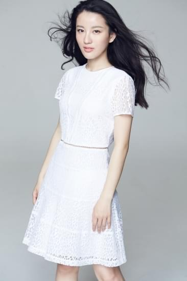 梅宝莱化身白衣天使 《守护生命》传递真爱
