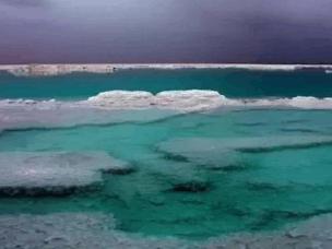"""国内有个因天气换颜色的湖,被称当地人作""""天气预报湖"""""""