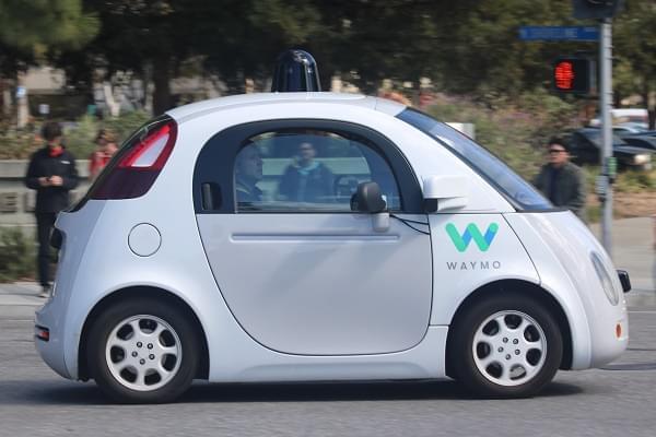 谷歌自动驾驶公司挖前特斯拉工程师 推动商业化