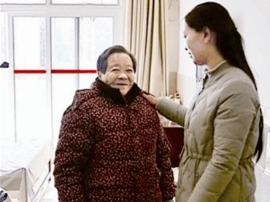 """民政局张燕:当福利院""""编外护工"""" 每逢周末风雨无阻"""