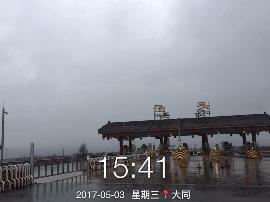 荣乌高速灵丘段小到中雨 过往司机注意减速慢行