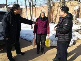 三门峡市陕州区森林公安数九严寒天为群众送温暖