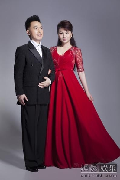 歌武传奇接受音乐报刊专访 草原之爱传四方