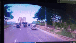 惨烈!东莞环城路发生大货车追尾事故
